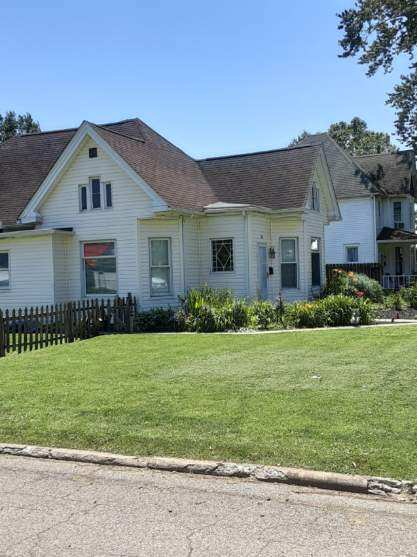 22 N. Wisconsin Ave., Wellston, OH 45692